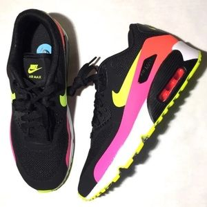 New Nike AirMax size 6Y